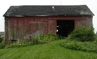 Front view of barn at Sutherland-Wilson Farm