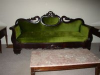 1826 Sofa in the Sutherland-Wilson Farmhouse parlor.